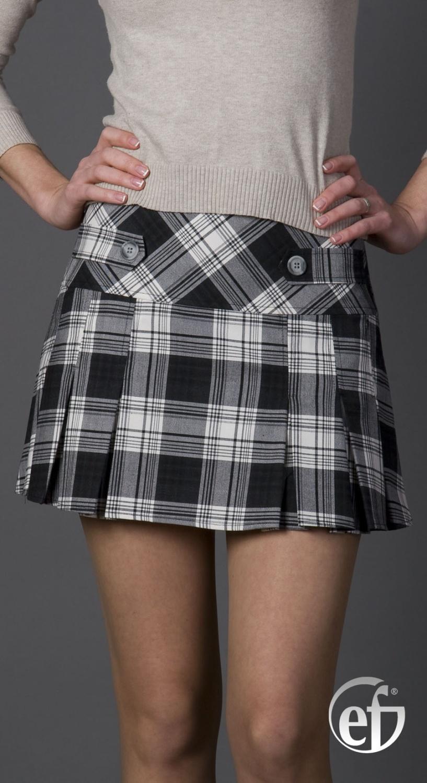 Тёлочки в мини юбках 29 фотография